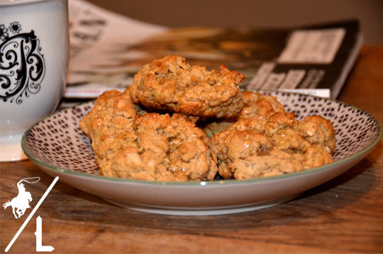 easy maple oat scones