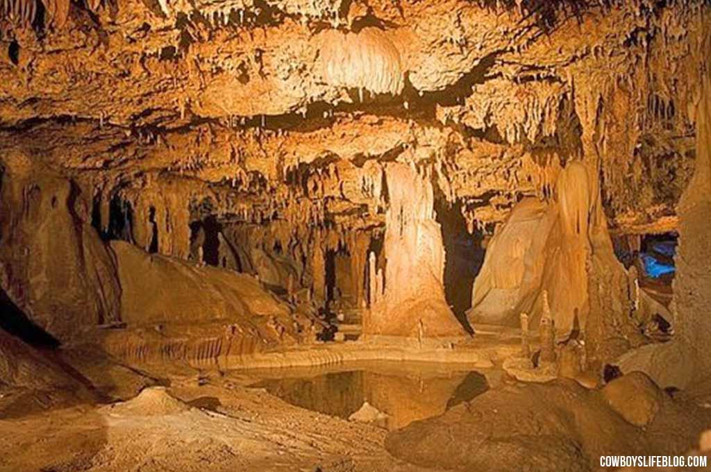 Inner Space Cavern Georgetown, Texas