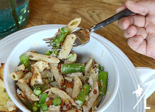 Chicken Alfredo Asparagus Pasta