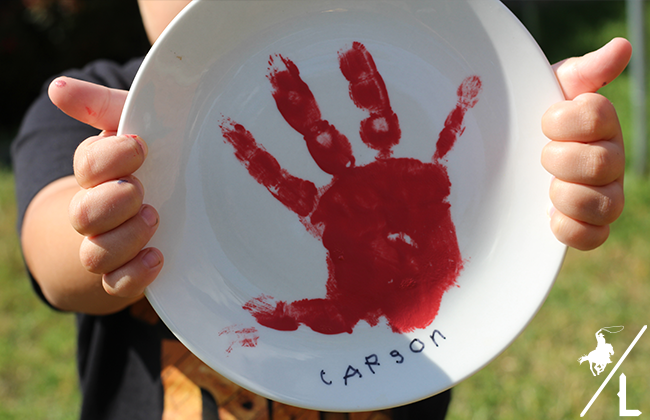This DIY hand painted plate is the perfect personalized keepsake! It's a fun, simple and a craft that your kid makes that you will actually want to keep.
