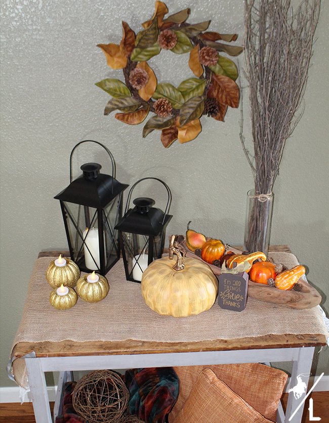 Fall Entry Table Thanksgiving Decorations | Creative Thanksgiving Decorations You'll Wish You'd Thought Of First