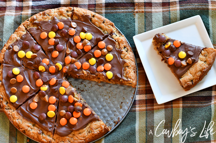 Peanut Butter Chocolate Chip Cookie Pizza