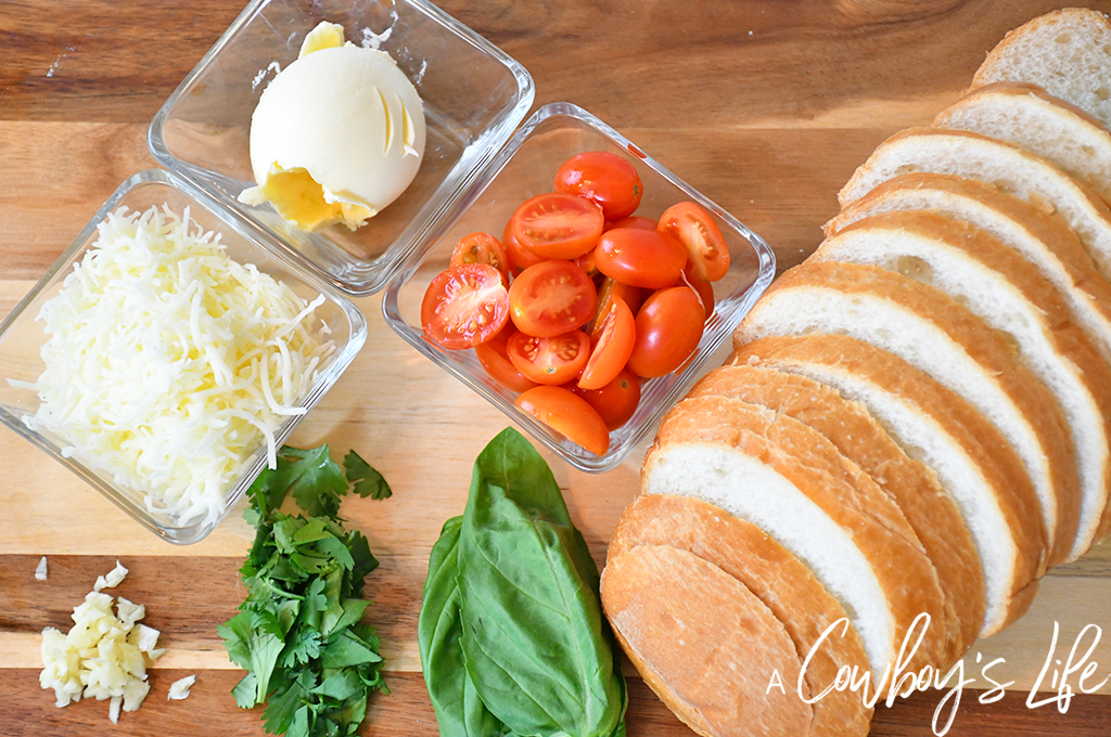 Tomato Caprese Garlic Bread
