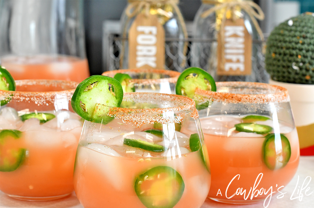Jalapeño Grapefruit Mocktail | Jalapeño Mocktail | Jalapeño Grapefruit Cocktail | Summer Cocktails | Summer Mocktails #spicycocktails #jalapenomocktail #jalapenococktail