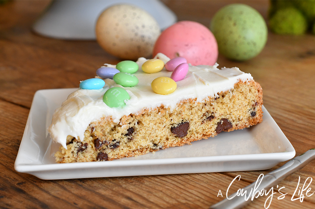 Easter chocolate chip cookie pizza | pizza cookie | cookie pizza | chocolate chip cookie #cookies #cookiepizza #pizzacookie