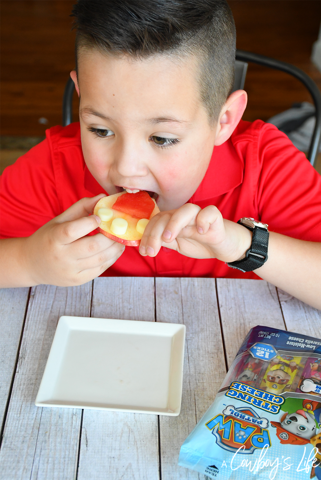 How to make a PAW Patrol Fruit Badge! #disneysnacks #pawpatrol #afterschoolsnack