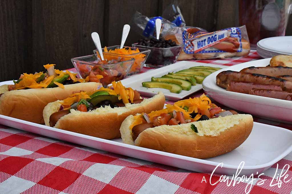 How to make Tex-Mex hot dogs