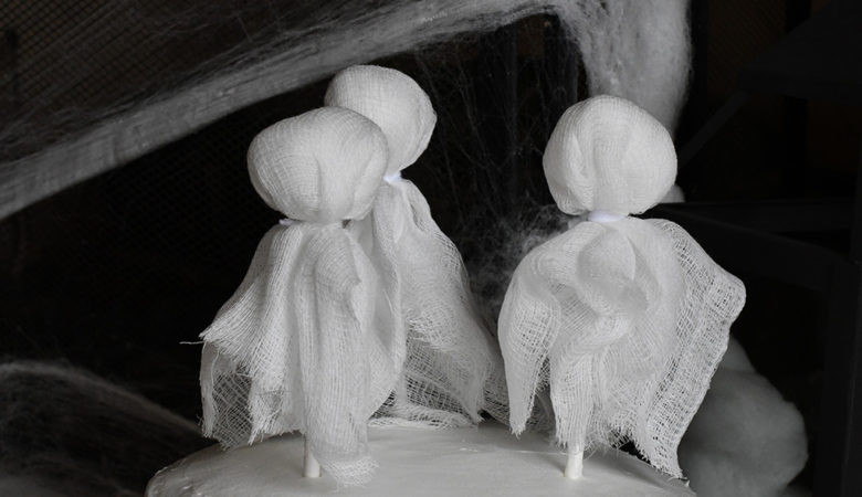 DIY Cheesecloth Ghost Cake Toppers
