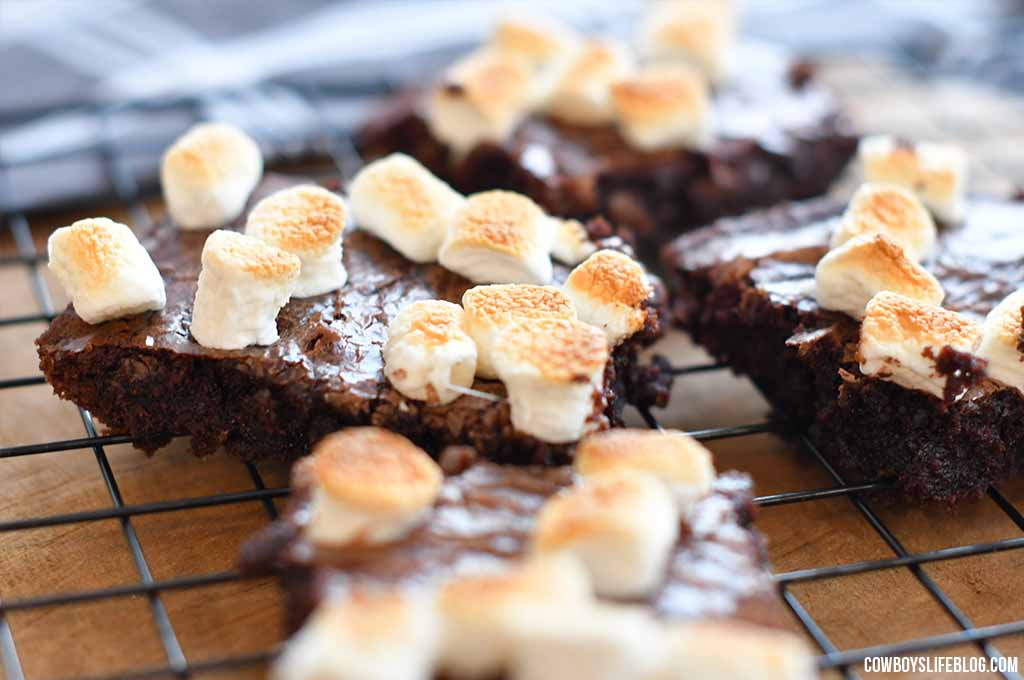 How to make hot chocolate brownies
