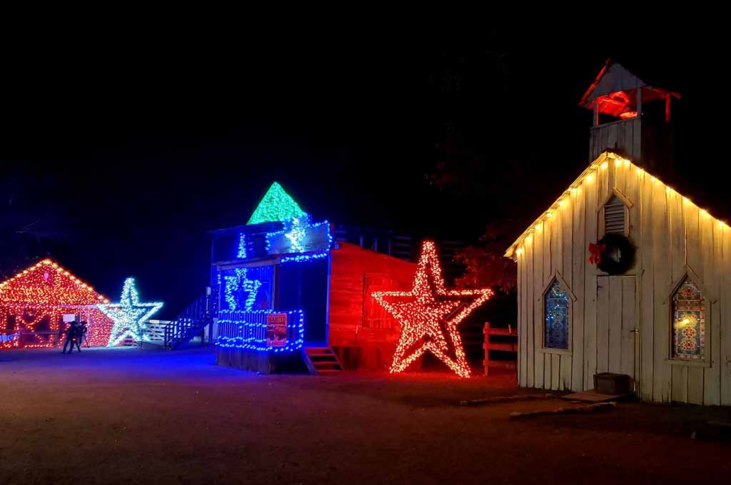 Where to see the best Christmas lights in San Antonio